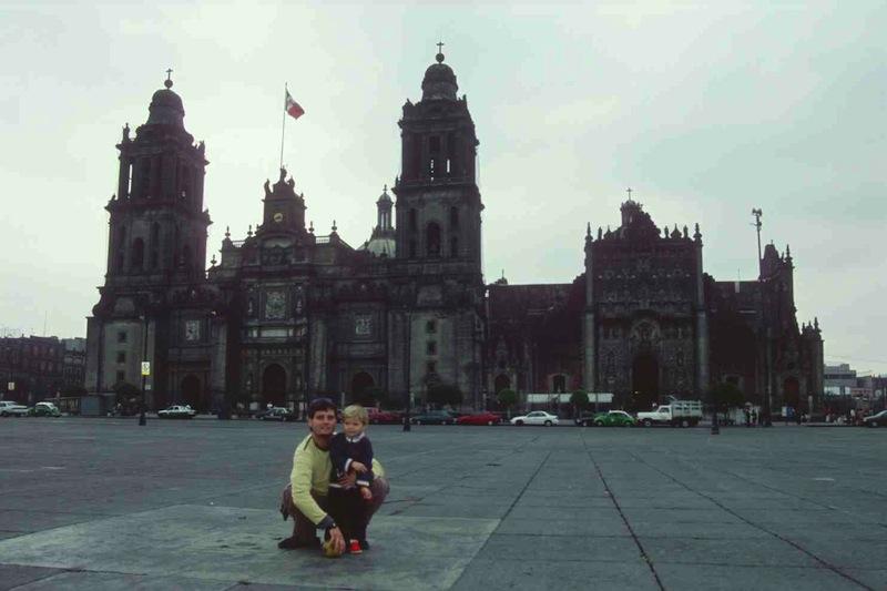 Un día en la Plaza del Zócalo de Ciudad de México