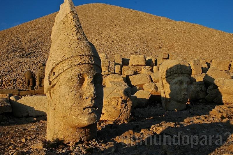 Monte Nemrut, trono de dioses en el Kurdistán