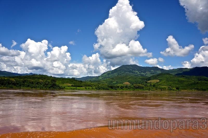 Surcando el Mekong - Laos
