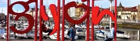 En las famosas letras de la ciudad en Puerto Poniente