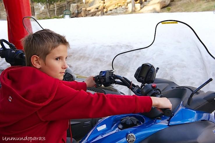 Álvaro disfrutando a lo grande en Sierra Nevada
