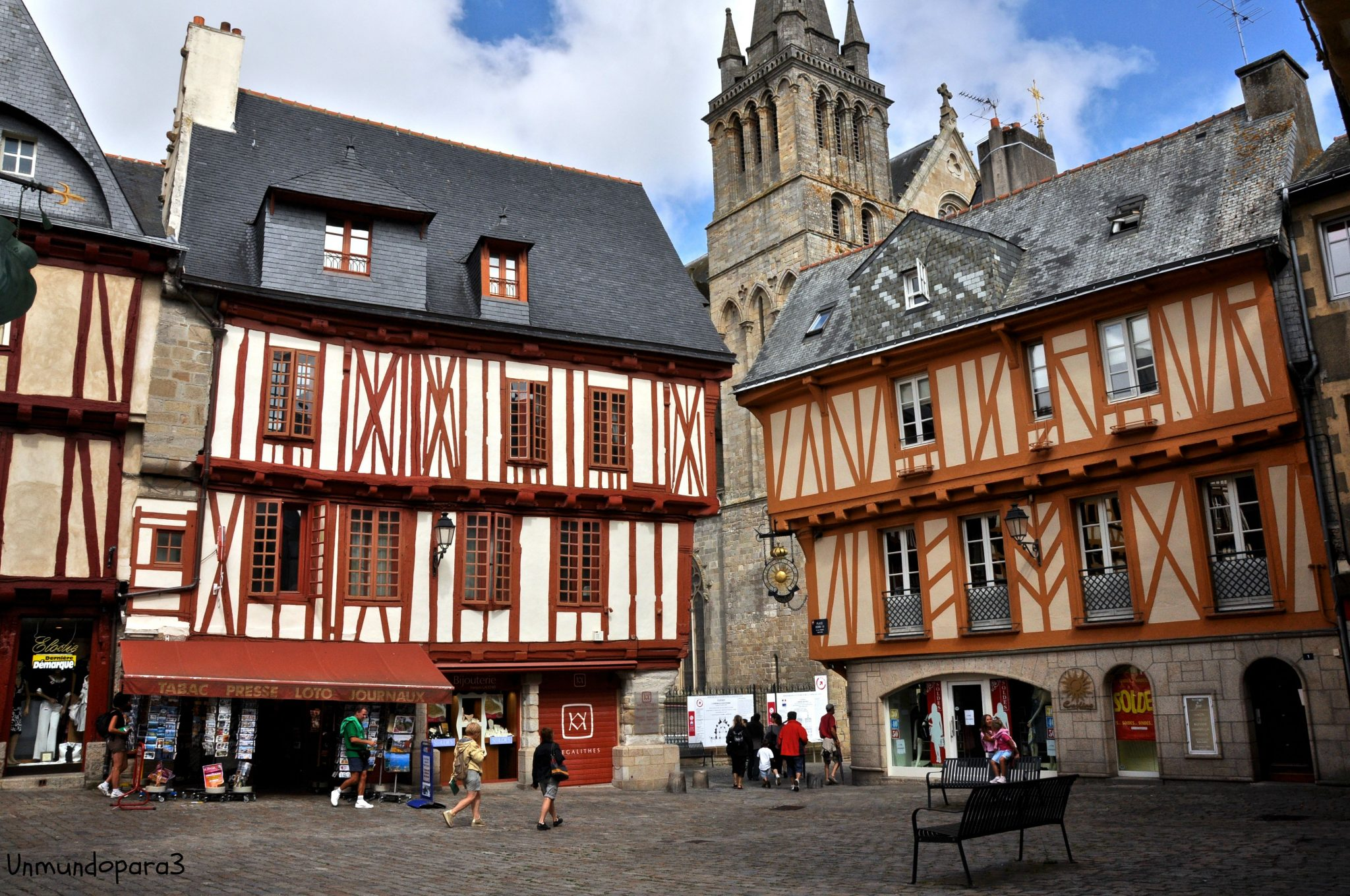 Ruta por la breta a francesa un mundo para 3 for Maison de la literie vannes