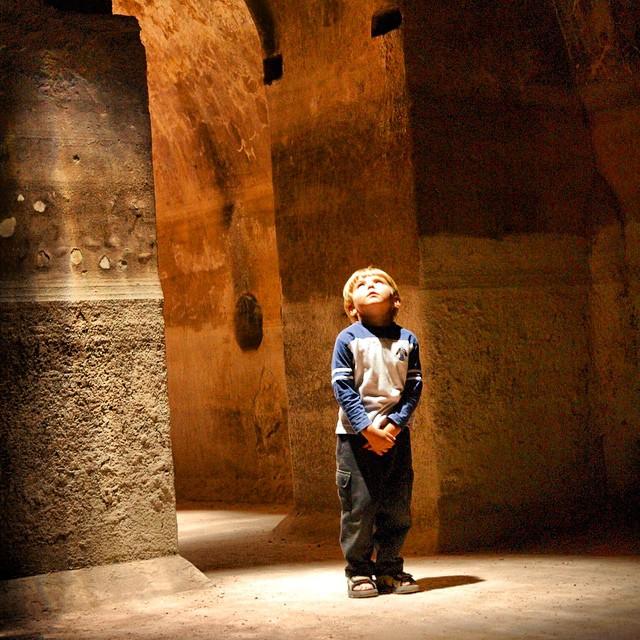 Buscando el universo! #Marrakech #Marruecos #viajacontuhijo #viajesenfamilia #travelwithkids #año2005 #niños