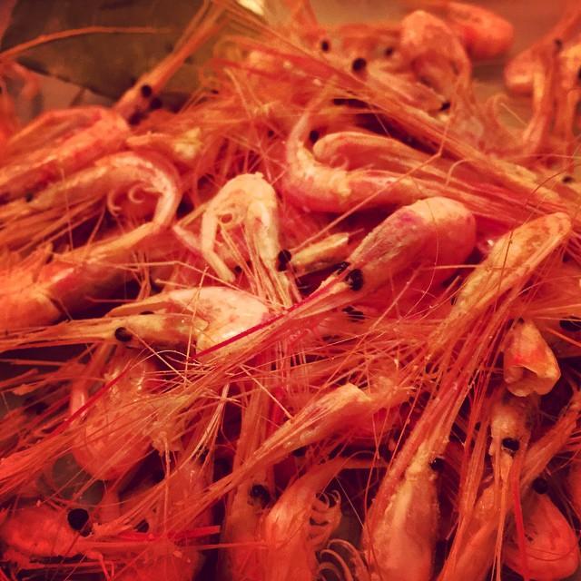 Una de camarones por favor!! #camaronesdeTenerife #quesuerteviviraqui #cenando #gourmet