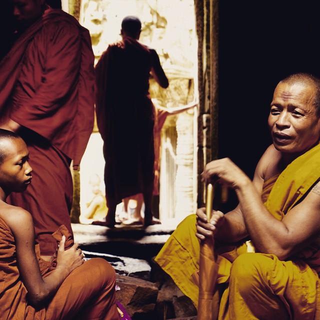 Monjes en los Templos de #Angkor #Camboya #Cambodia #Asiapara3 #instagram #instagood #photo #pics #foto #Asia