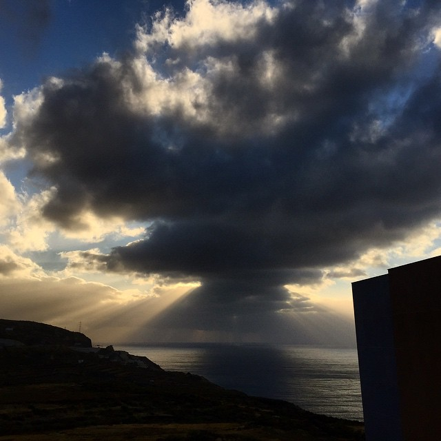 Entre nubes y claros #sunrise #Tenerife #Canarias