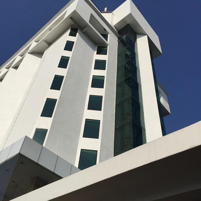 Hoy he dormido en este bonito hotel. Today I slept in this comfortable hotel. #keralaBlogExpress ##kollam #Kerala #India