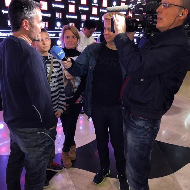 Momento en el que nos entrevistan en #TelevisiónEspañola. #viajar #Madrid @plateamad #Birratour #fitur