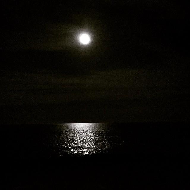 Luna lunera... cascabelera, así reza la canción