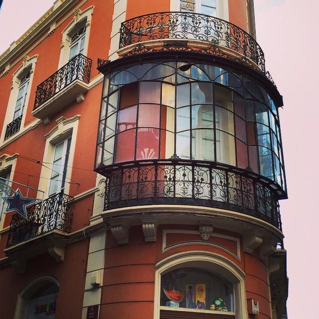 Bonitas fachadas engalanan nuestras calles #SantaCruzdeTenerife #Tenerife #Canarias #street