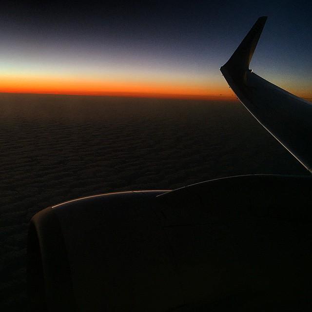 Viajar es descubrir y disfrutar aprendiendo. @Ryanair #portgall #Oporto #bcnTbPorto #travel #sunset #sunrise