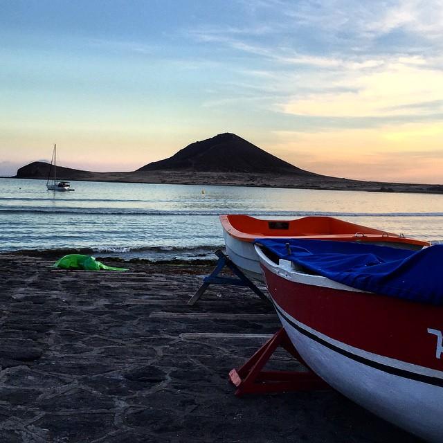 Buenos días y Feliz semana!! #ElMedano #Tenerife #sunset