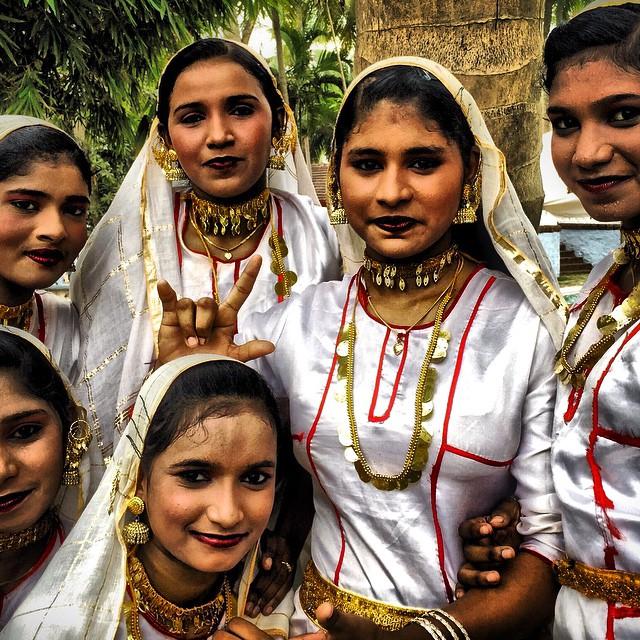 Mujes ataviadas con trajes tradicionales de #Kerala, #keralablogexpress gran experiencia la que vivi allí. #India #Indian #paradise #paraiso #tropical #viajar #travel #pics #photo #instagood