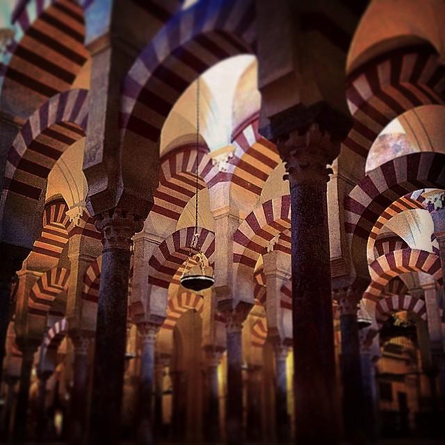 Mil veces te vi en fotos, documentales, postales... Hoy por fin te tengo sobre mi cabeza y sabes que Mezquita? Eres más bonita al natural 😍 #cordoba #asiescordoba #europara3 #viajesenfamilia #turismodecordoba #viajarconniños #viajaenfurgo