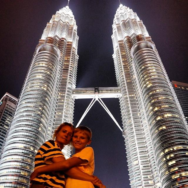 Nuestras queridas Petronas, en unos días os volvemos a ver! #IndoBorneoPara3 #Malaysia #Indonesia #Asia #viajacontuhijo #viajesenfamilia #travelwithkids #KualaLumpur