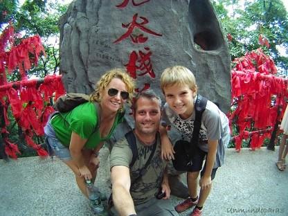 Viajar con tu hijo en la mochila sin morir en el intento